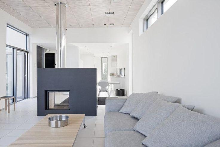 Kivitalot | TaloTalo | Rakentaminen | Remontointi | Sisustaminen | Suunnittelu | Saneeraus #kivitalo #tulisija #olohuone #stonehouse #fireplace #livingroom #talotalo
