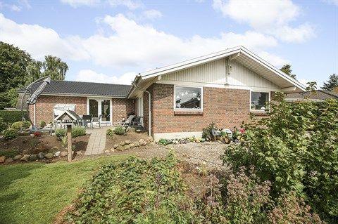Engbækvej 16, 5672 Broby - Enormt billigt hus at fyre op, godt isoleret...Spar penge :-) #solgt #selvsalg #selvsalgdk #boligaselvsalg