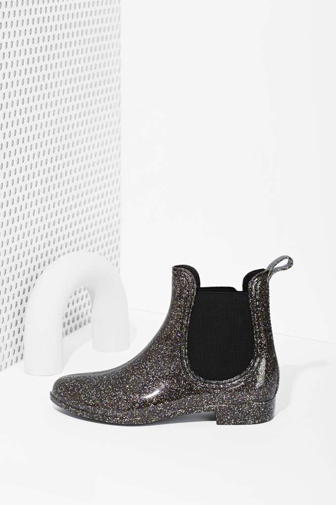 All That Glitters Chelsea Rain Boot | Shop Chelsea Girls at Nasty Gal