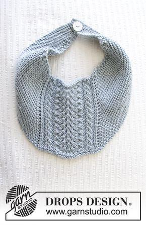 86147ce7e64 Baby hagesmæk med retstrik og hulmønster. Hagesmækken er strikket i DROPS  Baby Merino.