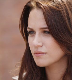 Shantel VanSanten!! She is so pretty! (: one of my favourite OTH characters! (;