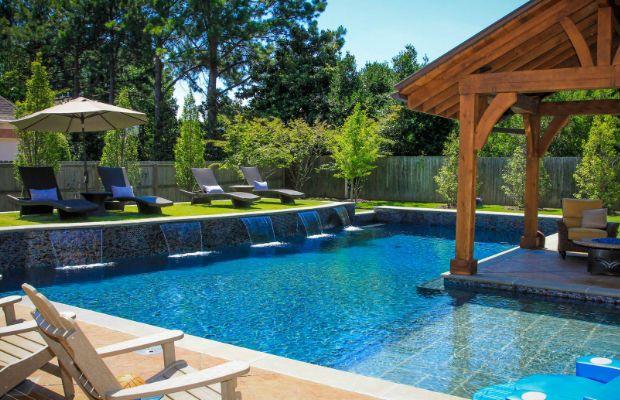 Evinin arka bahçesi ve bir miktar birikmişi olan okuyucularımız için evlerinin arka bahçesine yaptırabilecekleri birbirinden güzel bahçe havuzları.