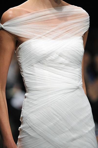 Monique Lhuillier - Bridal Fall 2012, emotion.  up close