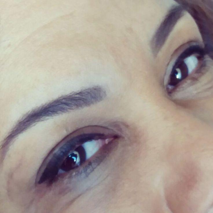 Micropigmentação de delineador de olhos é uma ótima opção para quem não tem muito tempo para ficar se maquiando e quer ter sempre um traço perfeito nos olhos. #olhod #eyebrows #maquiagemdefinitiva #micropigmentação #fioafio #maquilage #olhosperfeitos #micro #micropigmentation #delineador #pigmento #beleza #beauty #estética #dermografo #riodejaneiro #tatooeyebrows #clientelinda #clientesatiafeita http://ameritrustshield.com/ipost/1538566201890280807/?code=BVaFc8XF5Vn