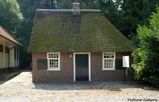 Peerke Donders, wevershuisje http://www.peerkedonders.nl