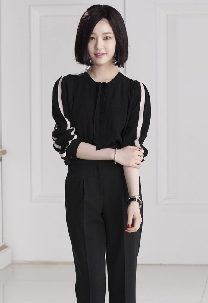 LEE YOO BI as Yoon Yoo Rae http://www.pinocchiodrama.com/sbs-pinocchio-drama-releases-character-posters-four-leads/