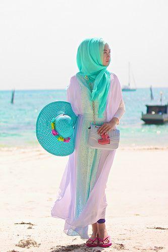 beach style like indah nada puspita