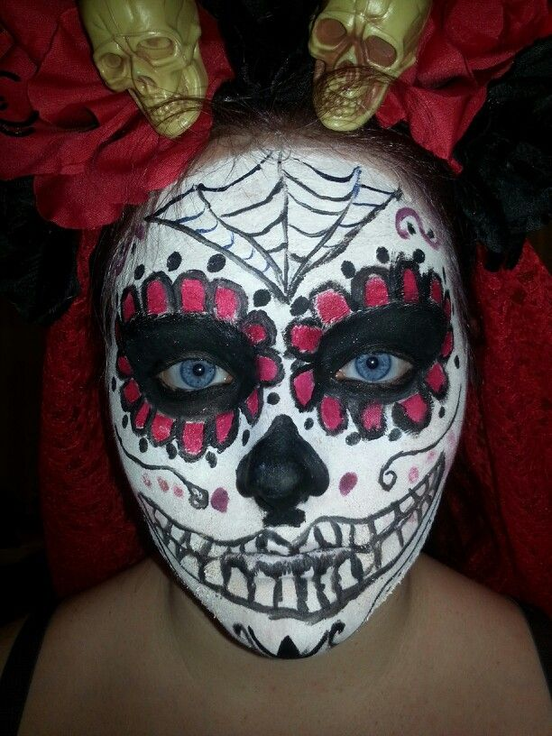 diy sugar skull makeup i did this projects from. Black Bedroom Furniture Sets. Home Design Ideas