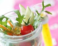 Salade folle aux croutons de gelée de pommes aux écorces d'oranges