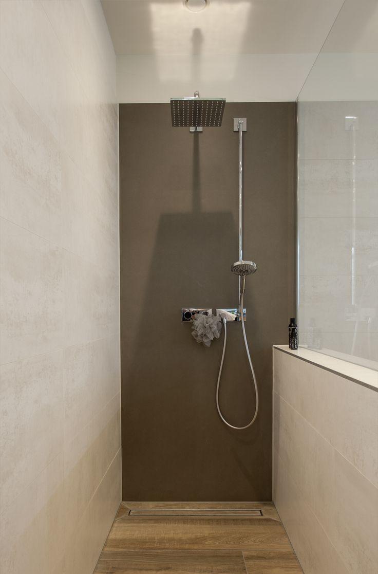 Frei Begehbare Dusche Mit Regenbrause Komfortable Einbauwanne