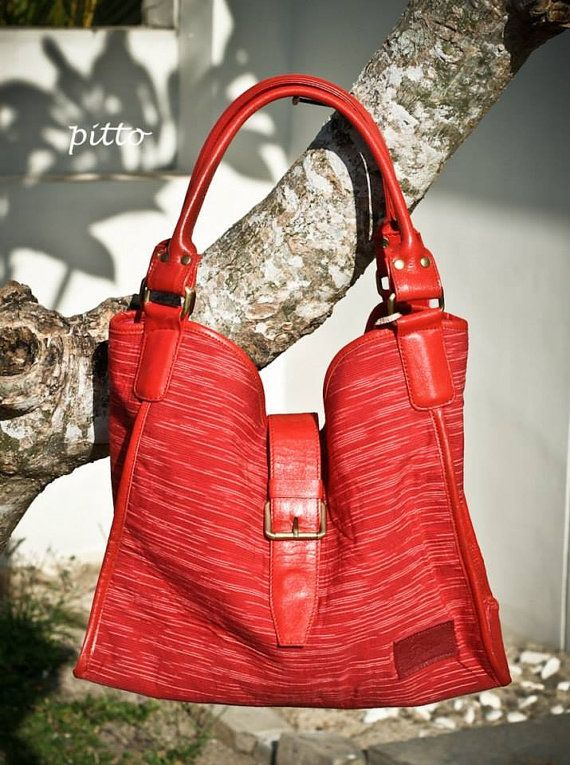 Gendis hobo in red leather and lurik