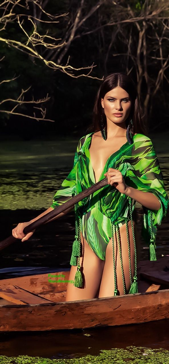 MARIABONITA♡ — Vogue Brazil-Isabeli Fontana for Agua de Coco...