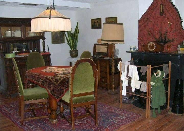 Oude gezellige huiskamer