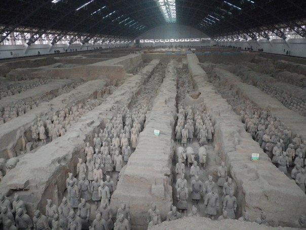 Armée de soldats de terre cuite, découverte au XXème siècle, Xi'An (Chine) Mausolée du premier empereur de Chine Qin Shi Huang