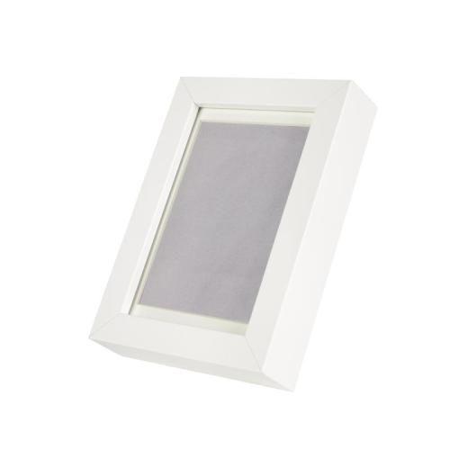 RIBBA Κορνίζα, λευκό €1,99 Η τιμή αναφέρεται στο συγκεκριμένο προϊόν 40214202 Διαστάσεις προϊόντος Πλάτος12 cm Ύψος17 cm Εικόνα, πλάτος10 cm Εικόνα, ύψος15 cm Πασπαρτού εντός8 cm Πασπαρτού12 cm