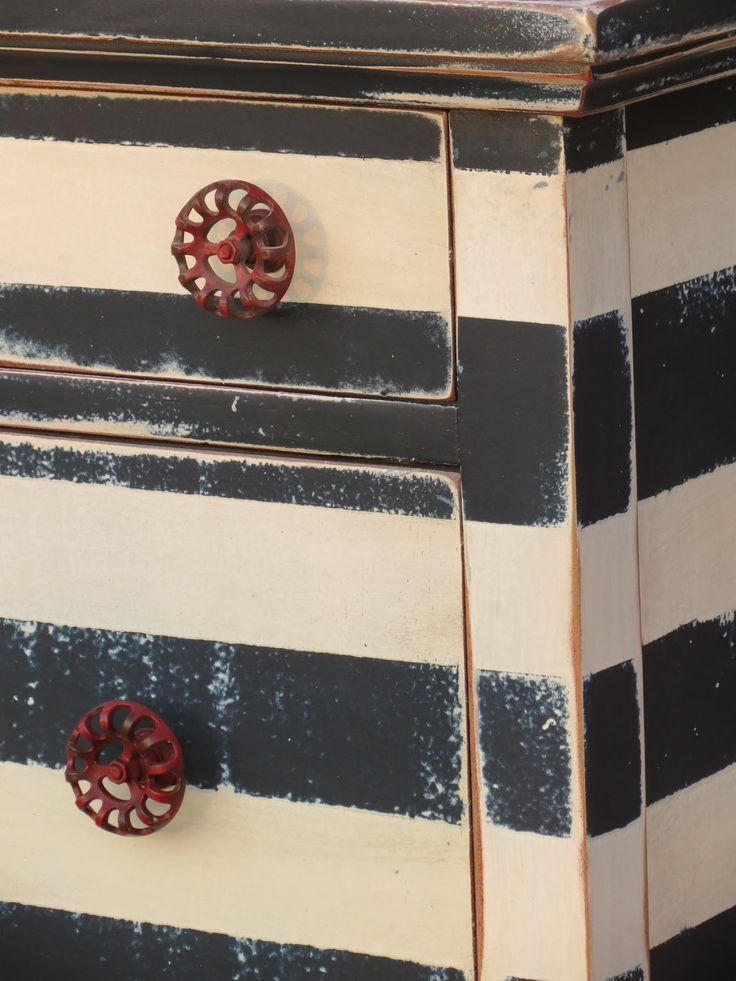 maudjesstyling: fun knobs. Chrissie's Collections: Striped Dresser                                                                                                                                                     More
