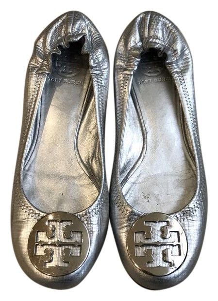 Tory Burch Flats. Get the must-have flats of this season! These Tory Burch Flats are a top 10 member favorite on Tradesy. Save on yours before they're sold out!