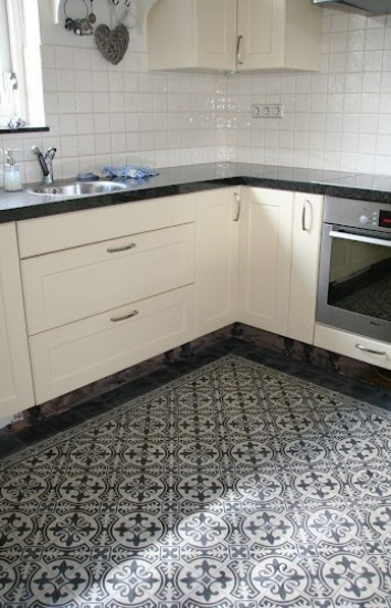 Serie circlez 1 14x14 cm van www door infofloorz for Kitchen design 14x14