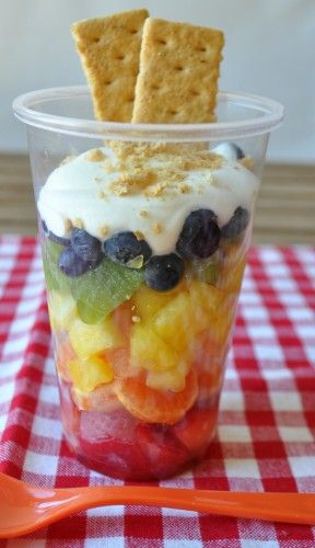 Rainbow Fruit Cup- so easy and so fun for parties!