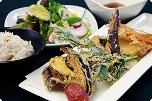 ひょうごのお野菜天ぷらランチはっぱや神戸野菜ごはん