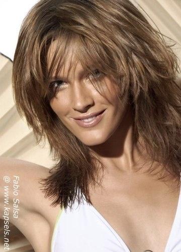 Beigebruin lang haar