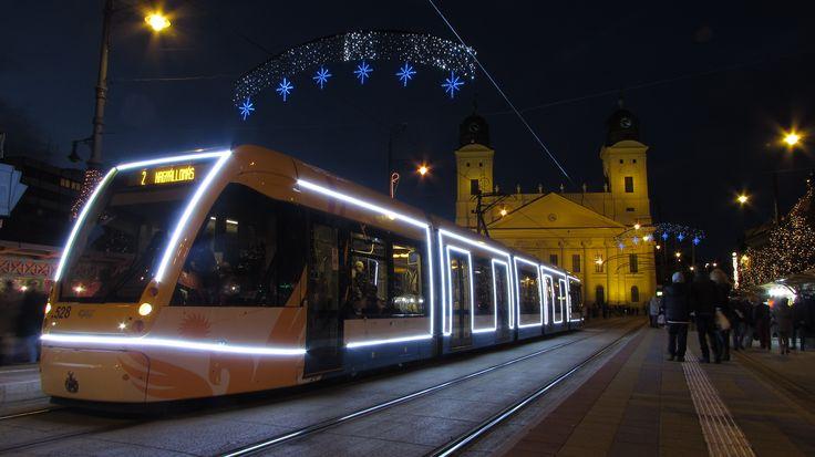 Debrecen, fényvillamos, Nagytemplom, advent, karácsony, Kossuth tér,  díszkivilágítás