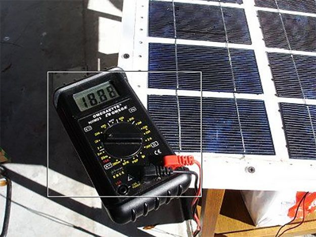 Solar Panel Tutorials | How to Make Solar Panels for Your Small Electronics. | Off the Grid Ideas from PioneerSettler.com #OfftheGridIdeas #PioneerSettler