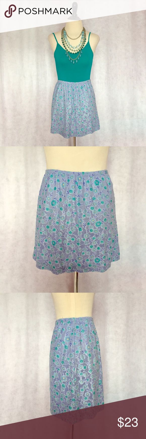 Vtg 90s XS S Blue Floral Daisy Burnout Mini Skirt This vintage skirt is perfect for Easter! Features fully elastic waist, aline style, and mini length. Skirt has all over turquoise fuzzy floral burnout pattern against a cornflower blue background. Fully lined. Listing is for skirt only  Brand: Express Material: Shell- 75% Rayon/25% Polyester; Lining- 100% Nylon Size: S (Fits like an XS/S) Waist: 24-34 Hips: 36-46 Length: 14.5   #spring #summer #pastel #daisy #90s #vtg #preppy #trendy…