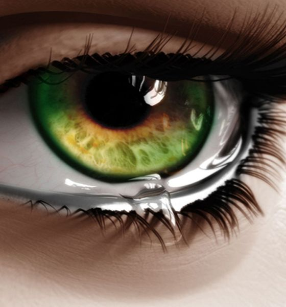 I can't see tears in such a beautiful eyes ♣ | ♀♀♥101 ...