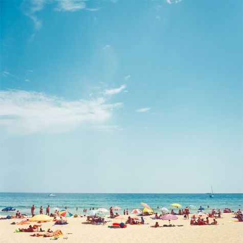 this makes me want to sunbathe with a pastel-colored umbrella / via shira