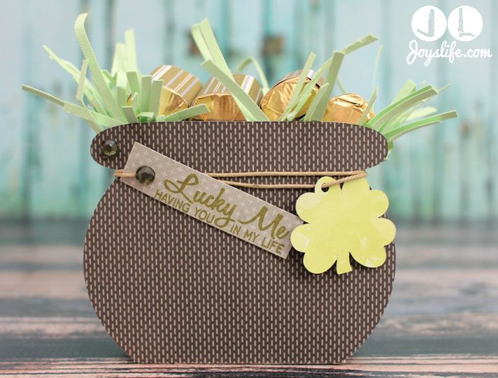 St. Patrick's Day 3D Pot of Gold with Silhouette Cameo  #silhouettecameo #stpatricksday