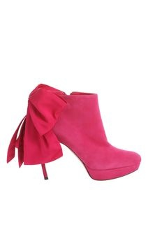 Do they have my size?  Oh my goodness - must have or will die!  Alexander McQueen Fuchsia Grosgrain Bow Boot