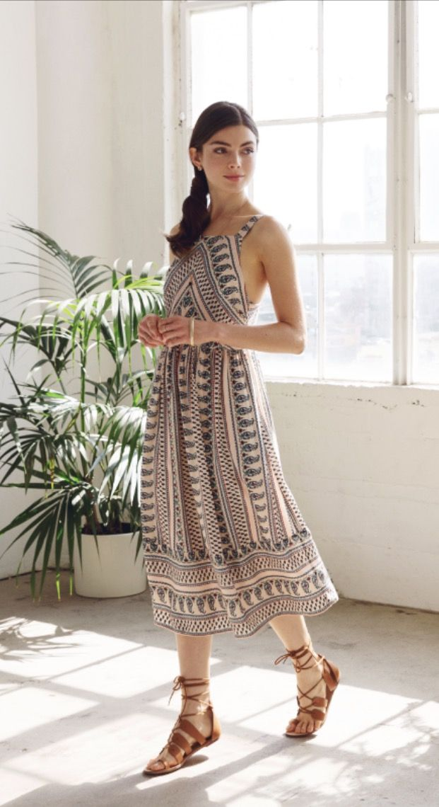 ~~~Absolutely beautiful everly dress!!! Boho chic dress paired with the perfect gladiator sandal.   Spring summer fashion trends. Stitch fix spring.  Stitch fix summer 2017 #affiliatelink