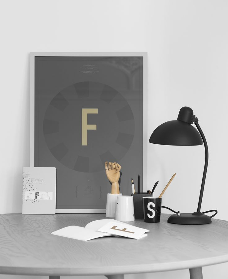 Do you want to work here? Shop this poster here http://typehype.eu/DIN-Poster #typehypeberlin #typehypeoffice #workspace #homeoffice #office #creative #fritzhansen #stattmannneuemoebel #friday #work