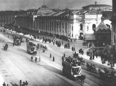 Петербургский трамвай В 1860–е на смену омнибусу пришла «конка» — трамвай на конной тяге. До этого конки служили для перевозки грузов к складам и появилисть только под Петербургом.