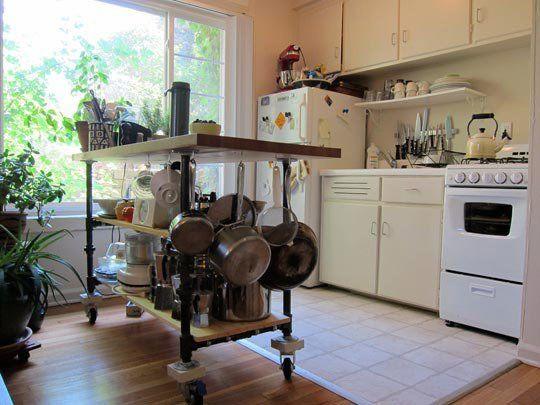 .Kitchens Spaces, Small Kitchens, Open Layout, Kitchens Islands, Kitchens Carts, Small Spaces, Apartments, Kitchens Storage, Block Island