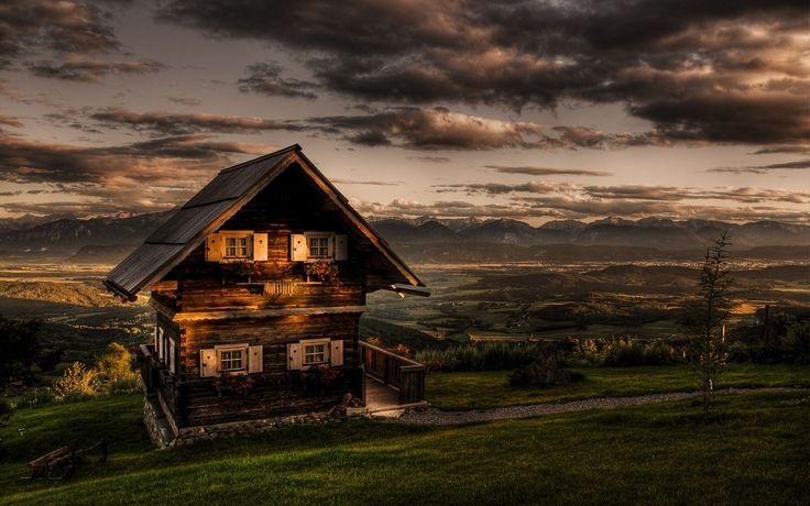 Casa de estilo Tiroles en los Alpes Bavaros. Tirol Austriaco.