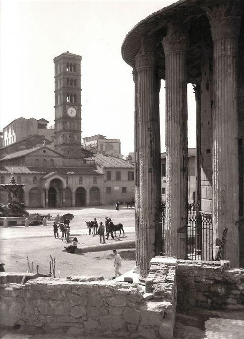 Piazza Bocca della Verità, Rome (1910).  > Photo by Fratelli Alinari.