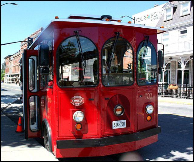 Kingston Trolley Bus, Trolley tour, Kingston, Ontario
