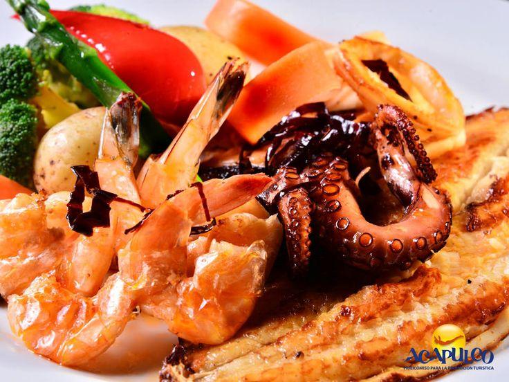 #comidaacapulqueña Comida polinesia en Capitán Mantarraya de Acapulco. TIPS DE COCINA. En el restaurante Capitán Mantarraya, encontrarás una fusión de mariscos con comida tradicional, así como platillos originarios de las islas polinesias con un toque de especias hindúes que de verdad, son un placer al paladar. Te invitamos a conocer este magnífico restaurante, durante tu visita a Acapulco. www.fidetur.guerrero.gob.mx