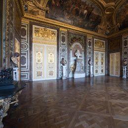 17 best images about versailles la maison des rois on for Salon du vin versailles