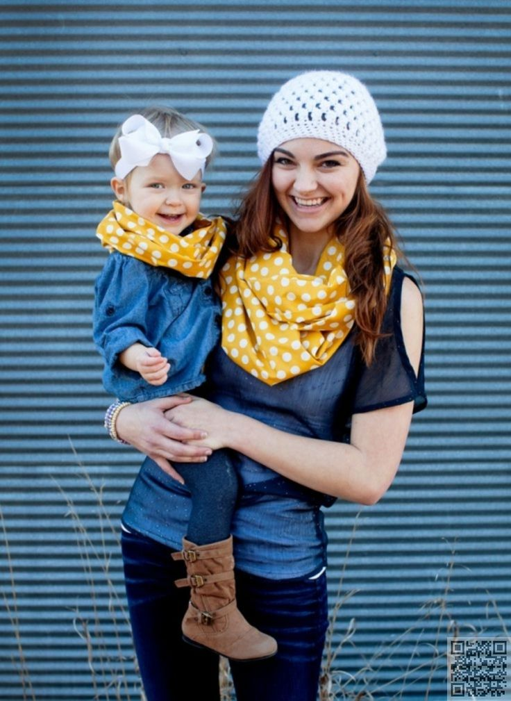 13. #Matching Accessories - 23 #Stunning Mother Daughter #Outfits You Can Wear Together ... → #Fashion #Daughter