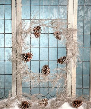 Sparkle Pine Wreath transitional-holiday-decorations