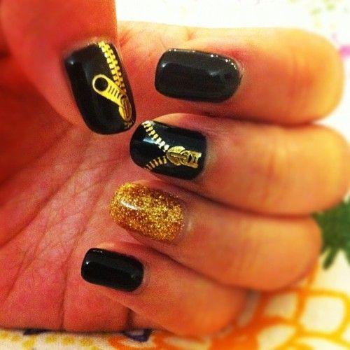 zip: Zippers Nails, Nails Art, Gold Nails, Gold Zippers, Nails Design, Black Nails, Nails Ideas, Black Gold, Art Nails