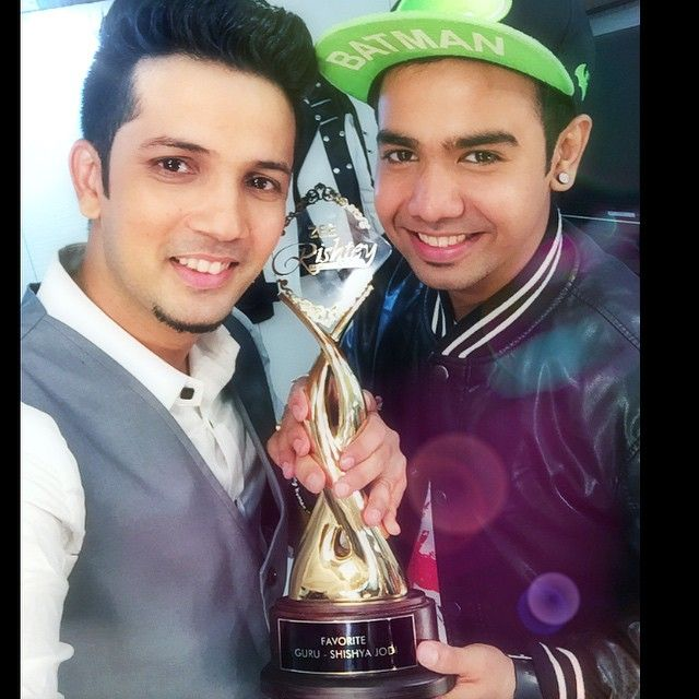 My First television award #Guru-ShishyaJodi award #thank you all for loving my work in DID n taking me as guru than a star. #thank you Shyam for believing in ur guru n being there for decades. Thank you zeetv for everything Thank you @beingsalmankhan sir Also my faadu team god bless #zeetv #zee #mudassarkhan #mk #mudassarKhanTeam #MudassarKiMandali #sharpshooterz #danceIndiaDance #did4 #DanceItOut #India #winning