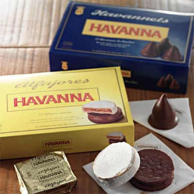 Havanna Alfajores - These alfajores (light round cookies, filled with dulce de leche, fruit preserve, or nut cream) are seriously sweet. I only ate one on the way back to Australia at the airport... I was depression eating :(