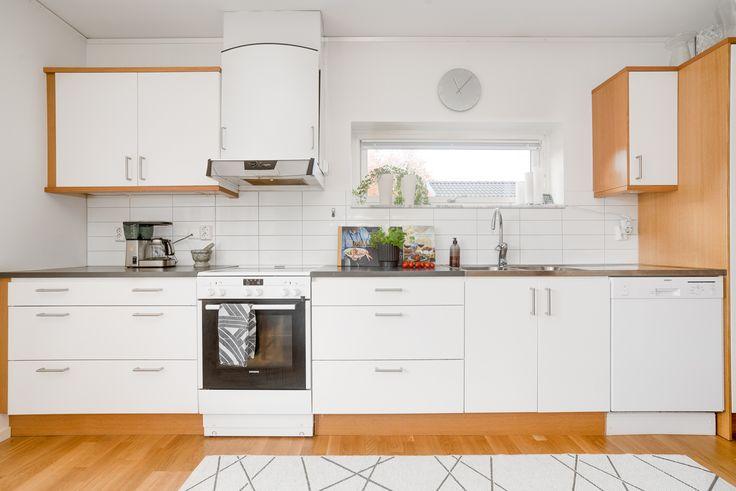 3 rok - kök i öppen planlösning med vardagsrum!