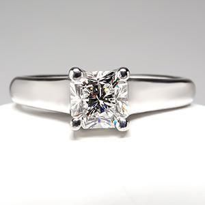 TIFFANY & CO. LUCIDA DIAMOND ENGAGEMENT RING PLATINUM  3,499.00 USD