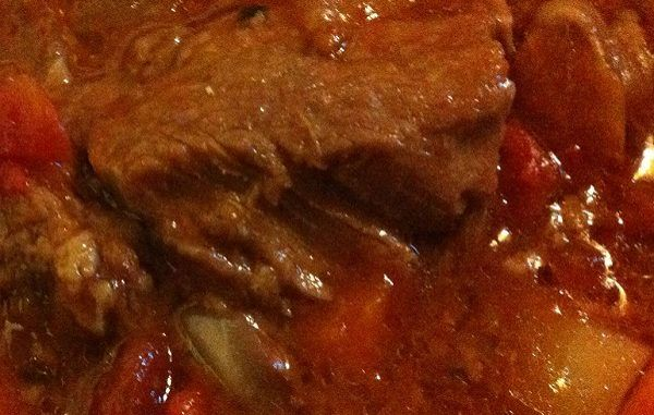 Slow Cooker Swiss Steak That'll Set Your Dinner Table Apart From Others