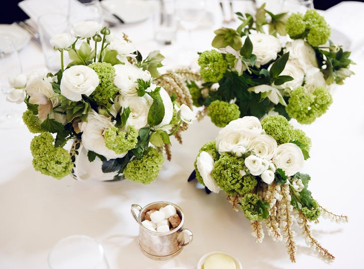 #White #Table #Centre #Events #PohoFlowers #Poho #Flowers